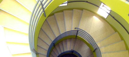 螺旋階段イメージ